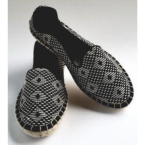 NEW Dolce Vita Black Cream Espadrille Flat Loafer